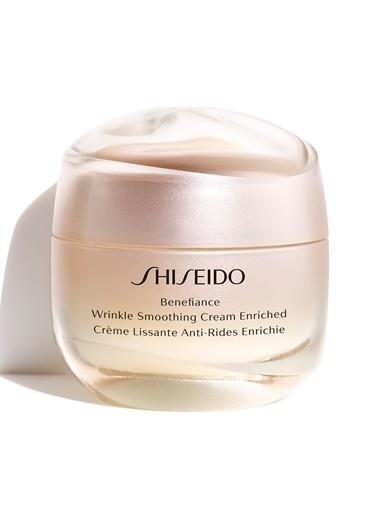 Shiseido Shiseido Benefiance Wrinkle Smoothing Cream Enriched Yoğun Nemlendiren Ve Koyu Lekeleri Onaran Nemlendirici Krem 50 ml Renksiz